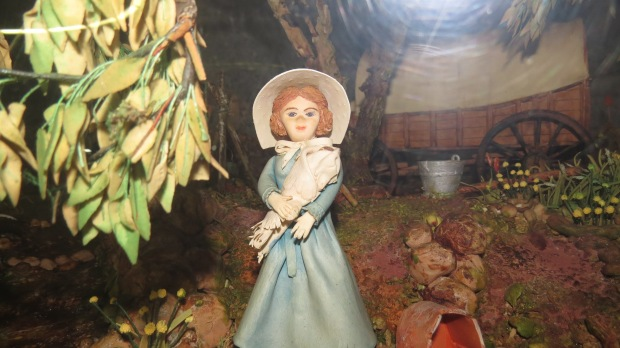 A fondant voortrekker woman figurine at the museusm