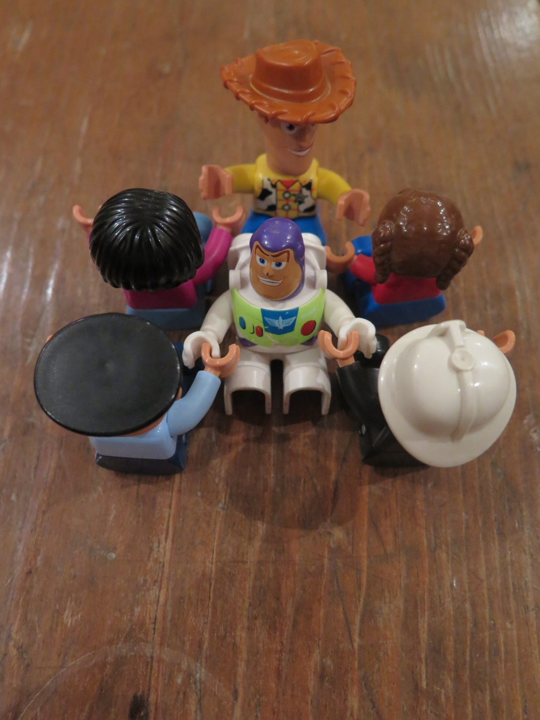 Economy class airline seating plan demonstrated with Lego Duplo figurines